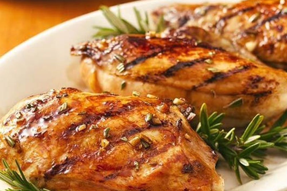 Garlic Chicken Breasts with Balsamic Vinegar